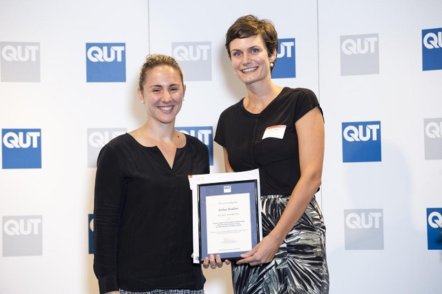 hoc-bong-the-qut-excellence-top-up